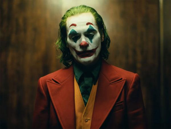 「小丑」遇上「蝙蝠俠」的反應?瓦昆菲尼克斯這樣說